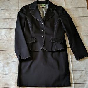 TAHARI Navy two-piece skirt suit